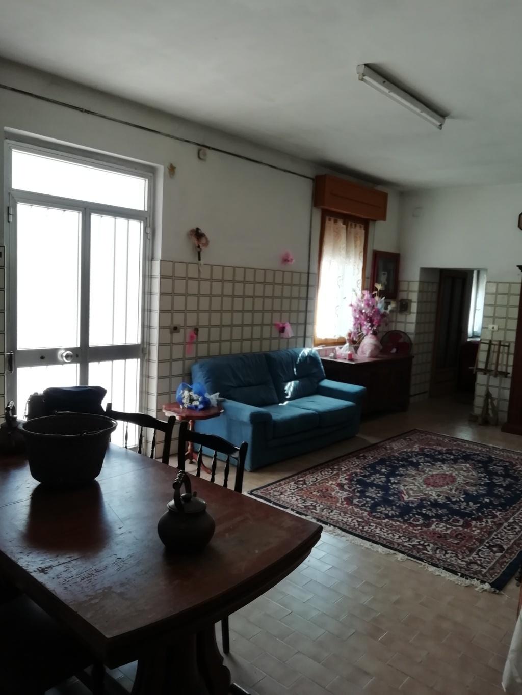 Vendesi agenzia immobiliare studio ab srl for Vendesi ufficio roma