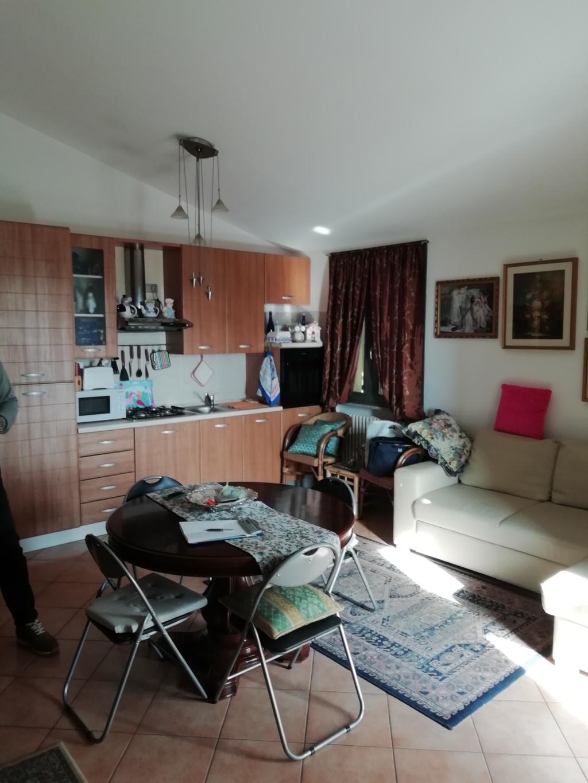 Vendesi appartamento agenzia immobiliare studio ab srl for Vendesi appartamento
